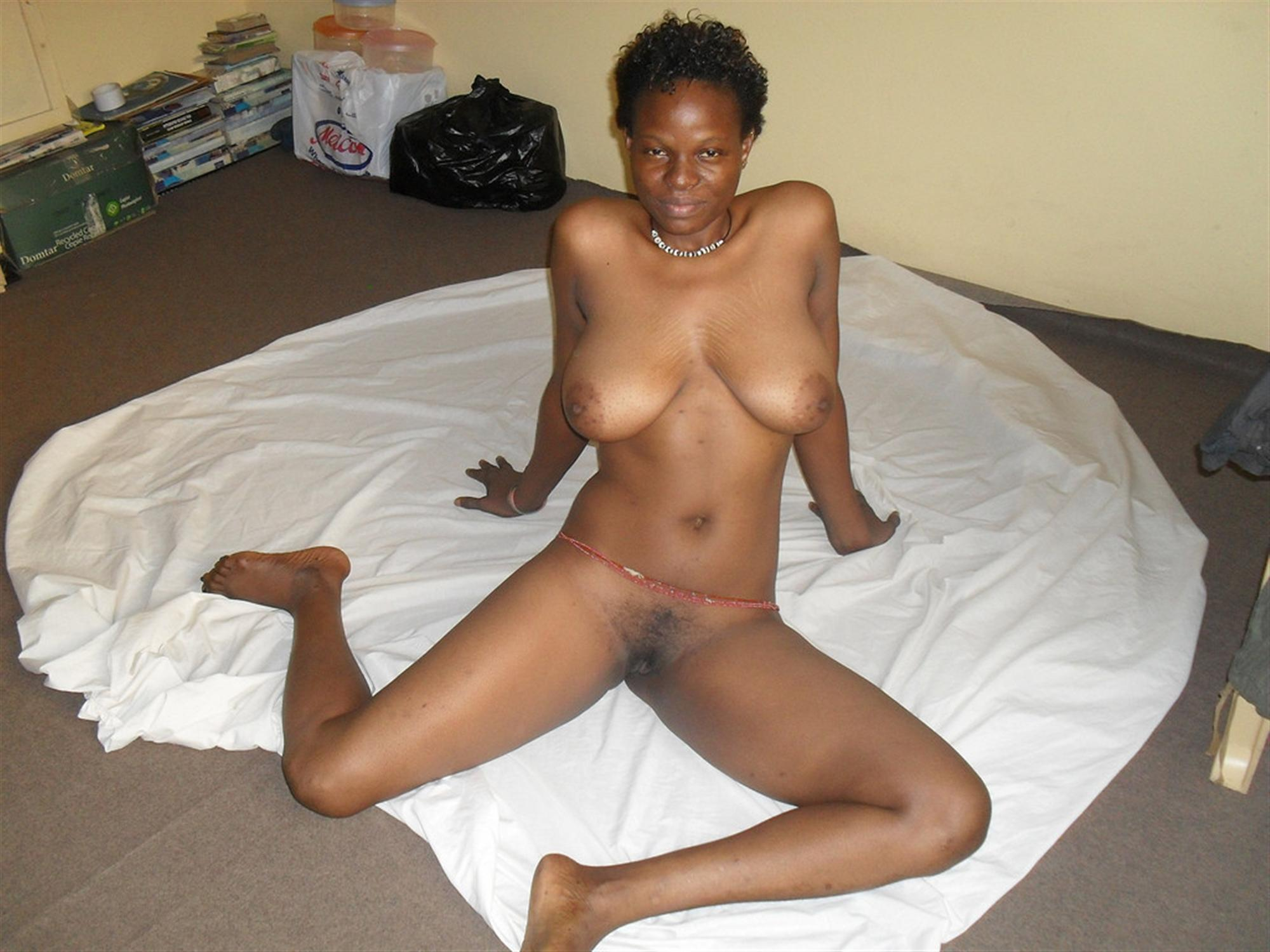 Mozambican Nude Amateur Woman Sitting | Regional Nude ...