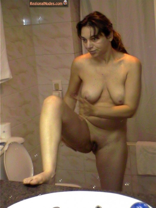 Nude Jordanian Wife in Bathroom | Regional Nude Women ...